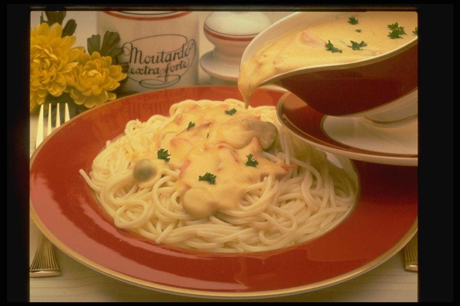 Как сделать белый соус к спагетти