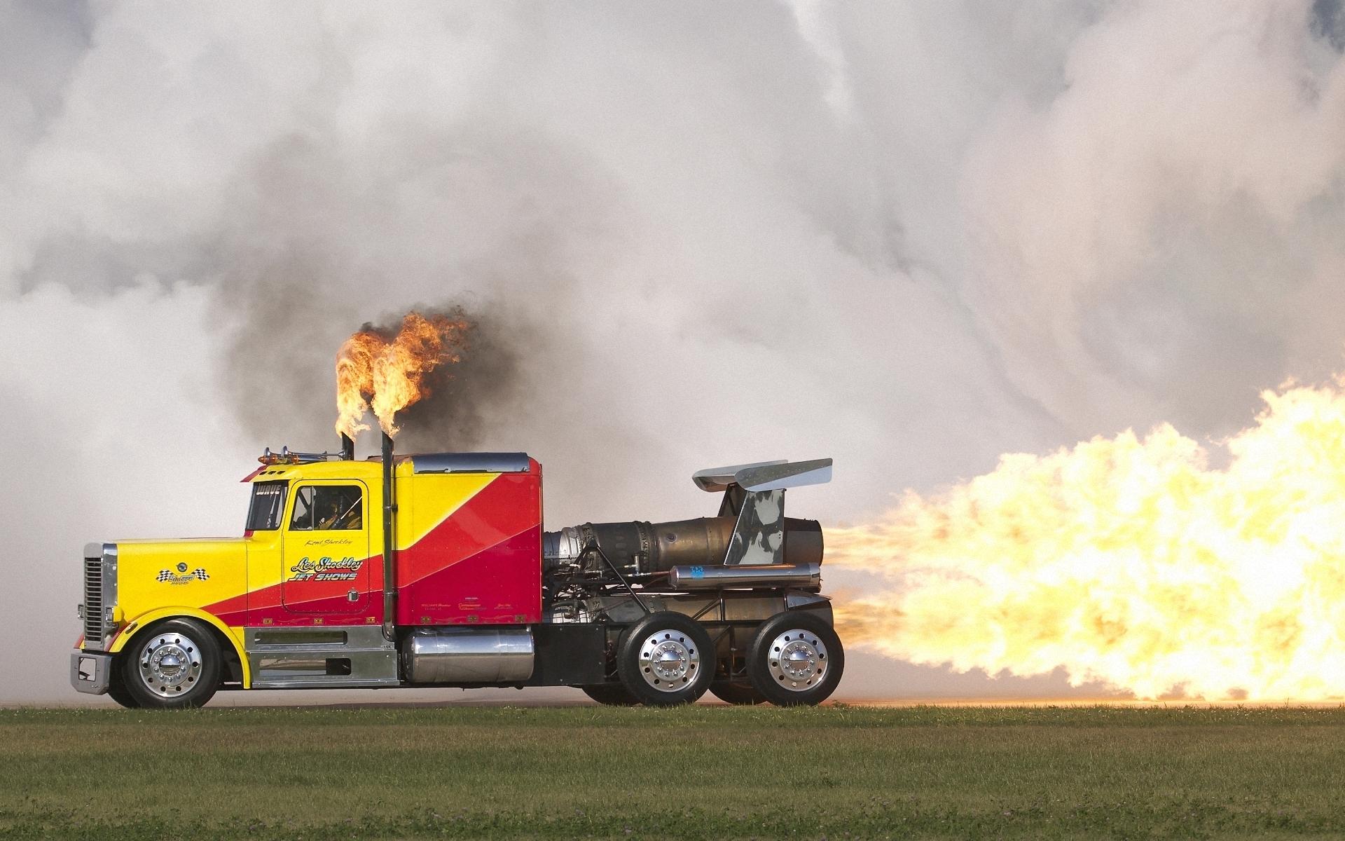 THW OV Gronau: Lastkraftwagen 7 t mit Ladebordwand (LKW 7 Lbw)