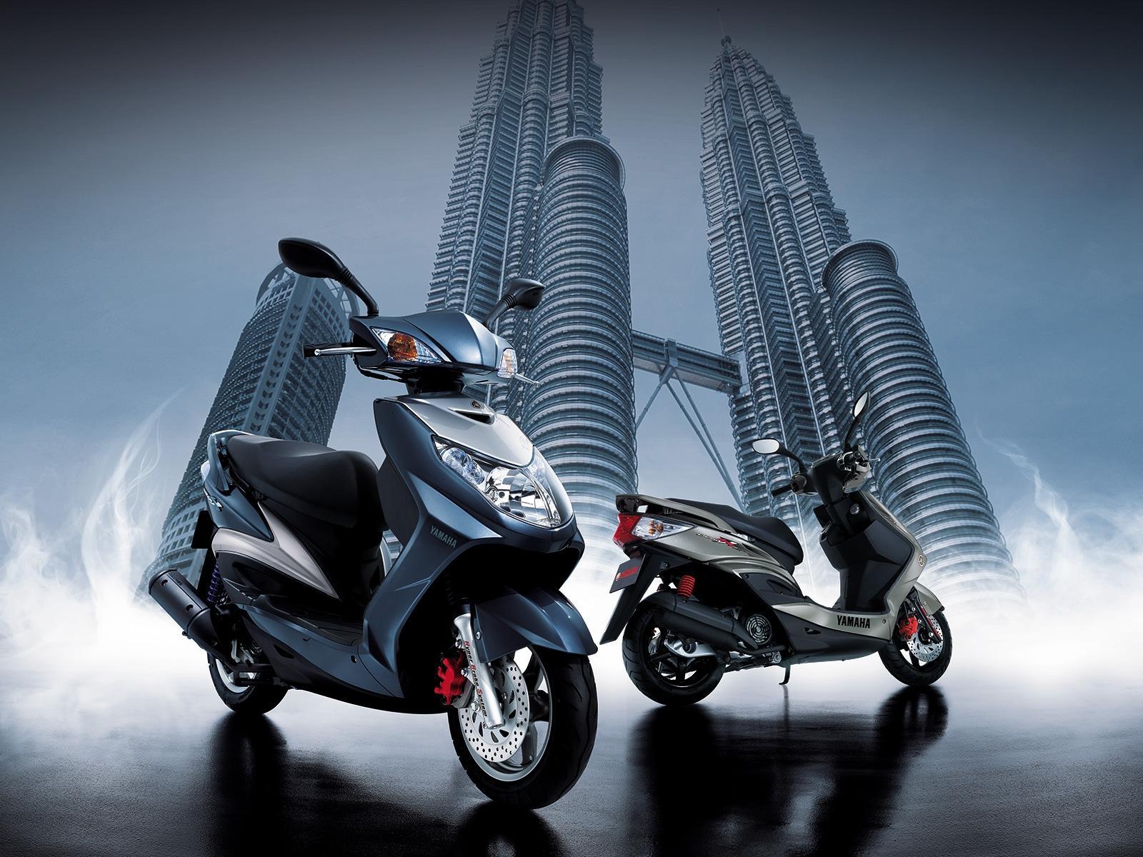 Desktop Hintergrundbilder Motorroller Motorrad Motorräder