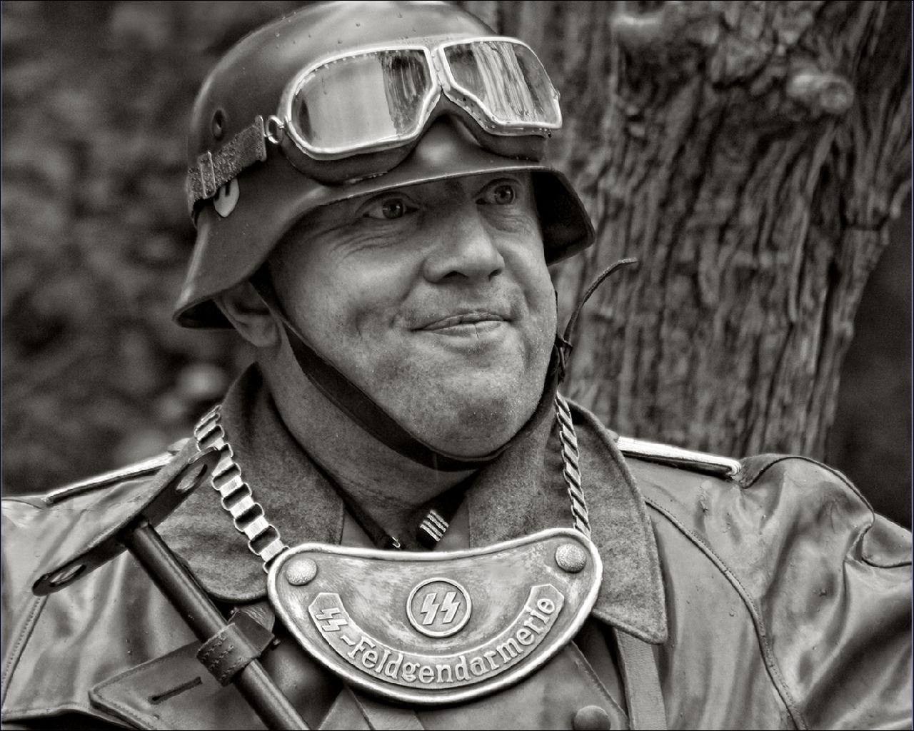 Photo Soldiers German Military war helmet Glasses Army eyeglasses