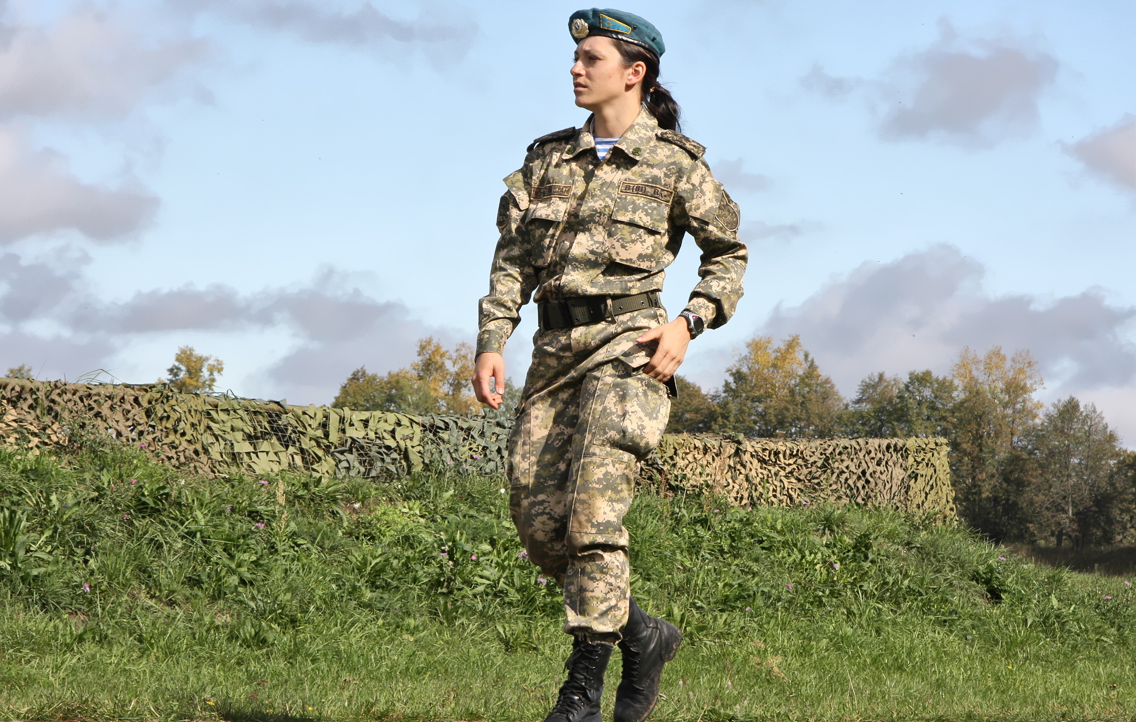 Photo Wearing boots Girls Army 2249x1430