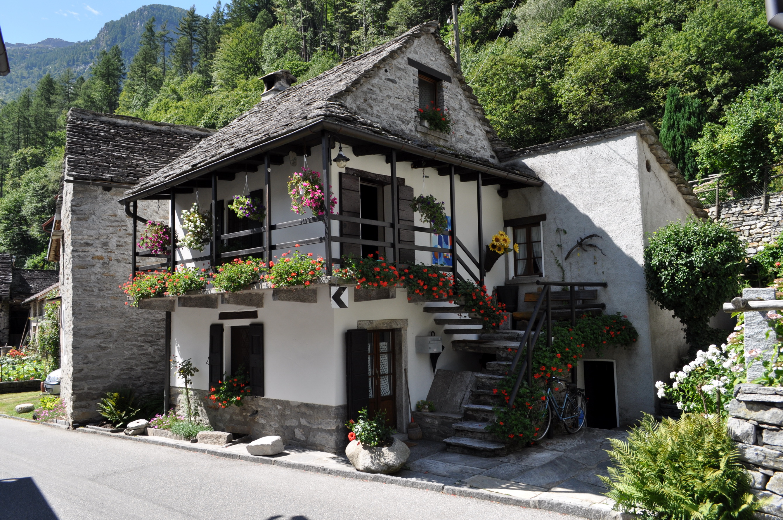 Image gallery switzerland houses for Swiss homes