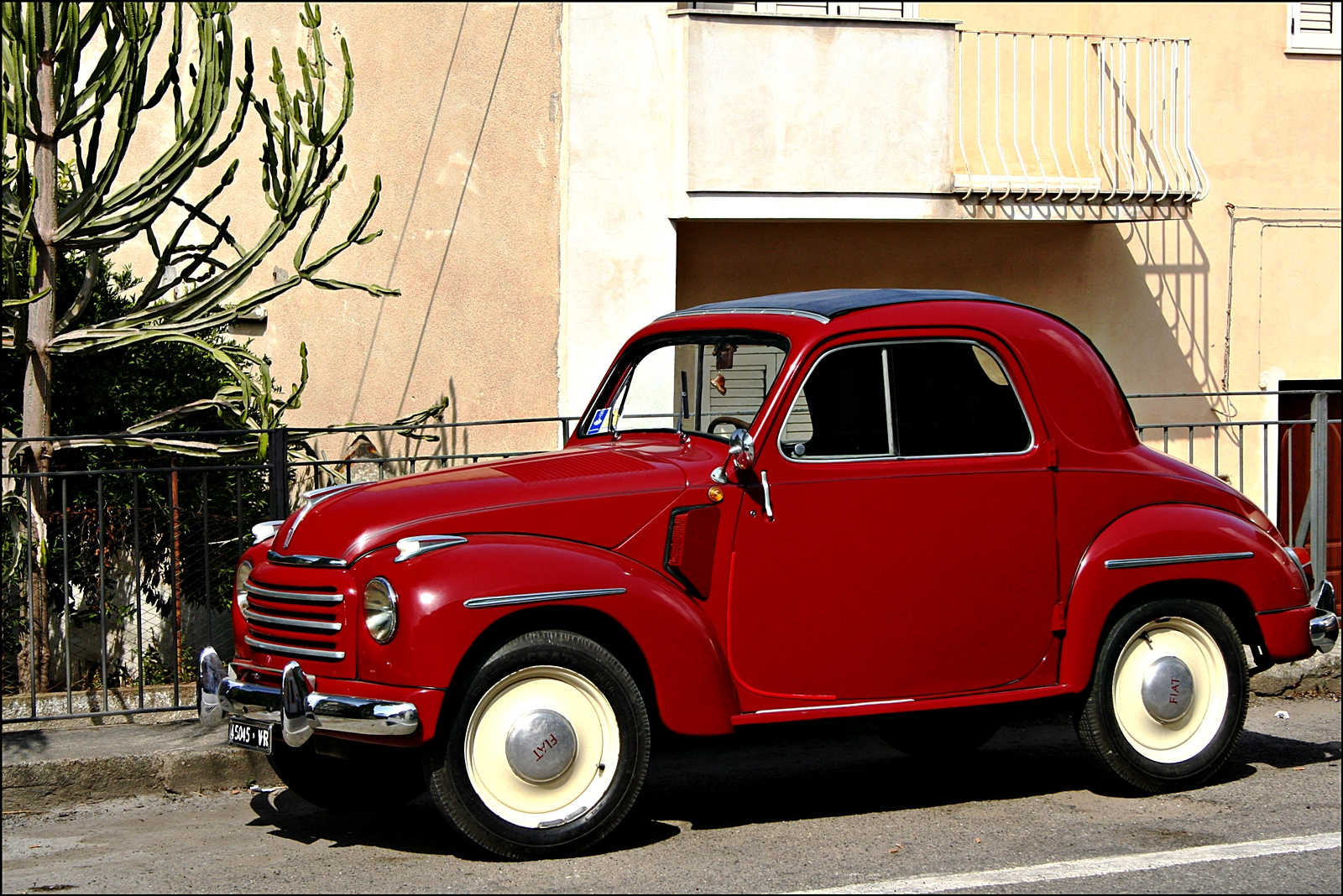 fonds d 39 ecran r tro style 1949 fiat 500 c topolino voitures t l charger photo. Black Bedroom Furniture Sets. Home Design Ideas