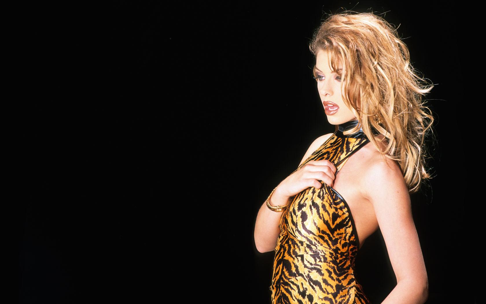 Ginger Jolie Nude Photos 26