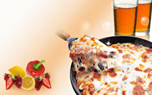 Fotos Pizza Stücke Lebensmittel