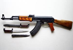 Hintergrundbilder Sturmgewehr Kalaschnikow 1947