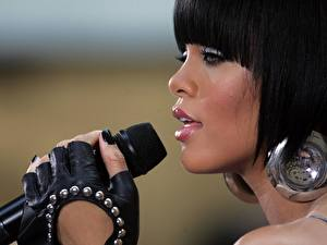 Pictures Rihanna Music