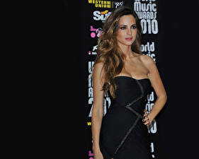 Images Ariadne Artiles Gown young woman