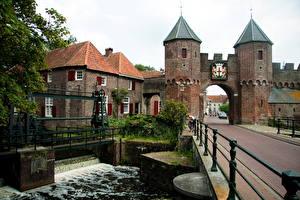 Bilder Niederlande Pforte Koppelpoort medieval gate in the Dutch city Amersfoort Städte