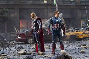 Fotos Marvel's The Avengers 2011 Chris Hemsworth Thor Held Captain America Held Chris Evans Film