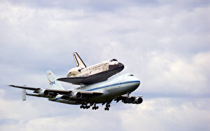 Fotos Flugzeuge Boeing Boeing 747-100 Space Shuttle Discovery