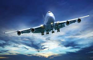 Hintergrundbilder Flugzeuge Verkehrsflugzeug Boeing Boeing-747