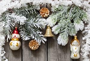 Hintergrundbilder Feiertage Neujahr Ast Weihnachtsbaum Zapfen Glocke