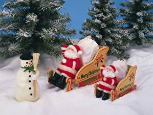 Fotos & Bilder Feiertage Neujahr Weihnachtsmann Schneemänner Schlitten fotos