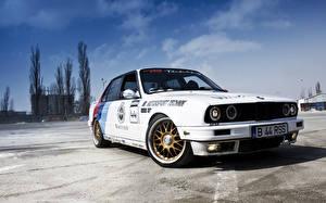 Wallpapers BMW Sky White auto