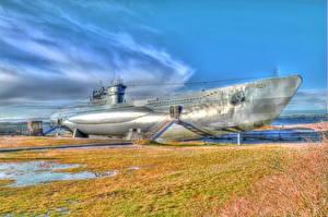 Fotos Unterseeboot Himmel Denkmal Wolke Gras Typ VII-C U-995 Heer