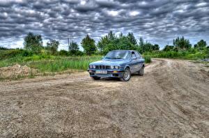 Papel de Parede Desktop BMW Céu Estradas Nuvem HDR automóvel