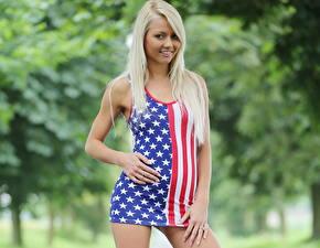Fotos Annely Gerritsen Blick Kleid Lächeln Haar Blondine Mädchens