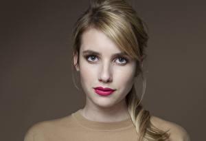 Hintergrundbilder Emma Roberts Augen Blick Gesicht Haar Dunkelbraun Rote Lippen Prominente