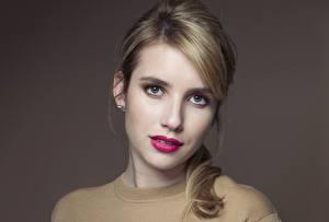 Fotos Emma Roberts Augen Blick Gesicht Haar Dunkelbraun Rote Lippen Prominente