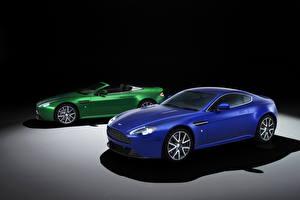 Hintergrundbilder Aston Martin Blau Fahrzeugscheinwerfer Roadster 2011 V8 Vantage S roadster