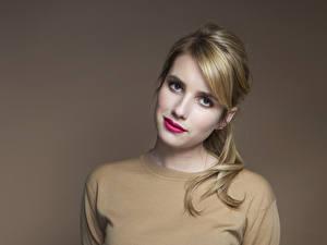Fotos Emma Roberts Blick Gesicht Haar Dunkelbraun Rote Lippen Frisur Prominente Mädchens